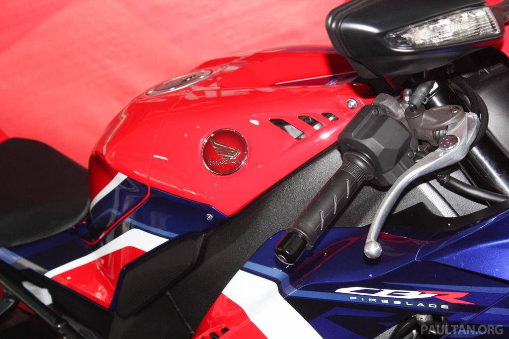 Honda CBR1000RR-R 2020 ra mat o Malaysia, chuan bi ve Viet Nam hinh anh 11 2020-Honda-CBR1000RR-R-Malaysia-Watermark-15.jpg