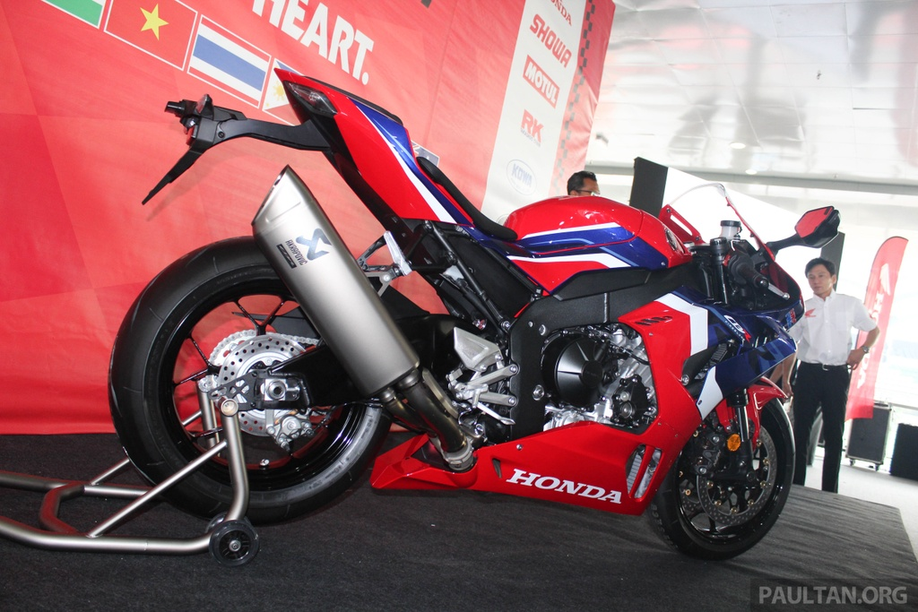 Honda CBR1000RR-R 2020 ra mat o Malaysia, chuan bi ve Viet Nam hinh anh 2 2020-Honda-CBR1000RR-R-Malaysia-Watermark-16.jpg