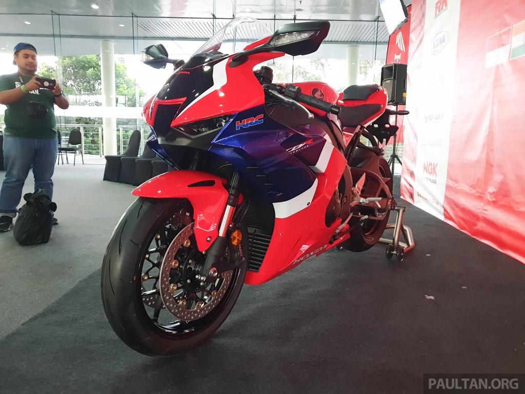 Honda CBR1000RR-R 2020 ra mat o Malaysia, chuan bi ve Viet Nam hinh anh 3 2020-Honda-CBR1000RR-R-Malaysia-Watermark-21.jpg