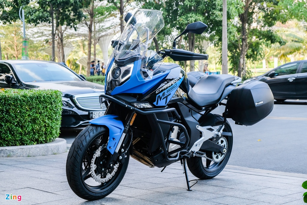 Can canh CFMoto 650MT anh 2