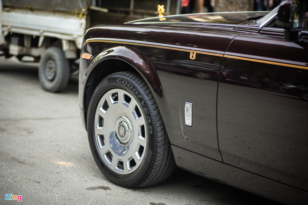 Rolls-Royce Phantom ban Hoa Binh Vinh Quang tai xuat anh 5