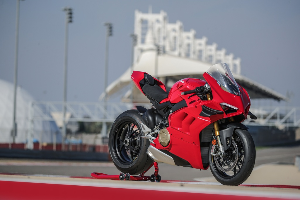 Superbike Ducati Panigale V4 2020 so huu canh gio tuong tu xe dua V4 R hinh anh 1 01_DUCATI_PANIGALE_V4S_UC143424_Mid.jpg