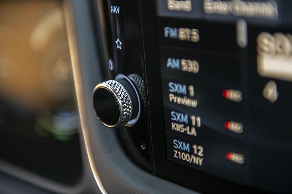 Hyundai Sonata 2020 co phien ban chay bang nang luong mat troi hinh anh 9 2020_Hyundai_Sonata_Hybrid_21.jpg