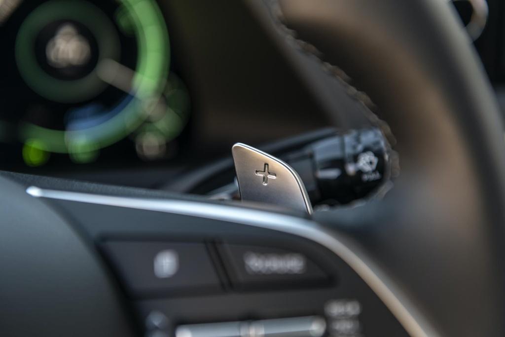 Hyundai Sonata 2020 co phien ban chay bang nang luong mat troi hinh anh 7 2020_Hyundai_Sonata_Hybrid_7.jpg