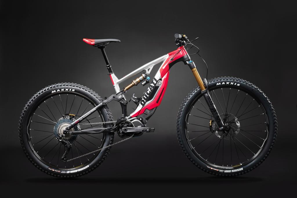Can canh xe dap cua Ducati, gia dat ngang moto hinh anh 2 Ducati_MIG_RR_studio_01_UC73957_Mid.jpg