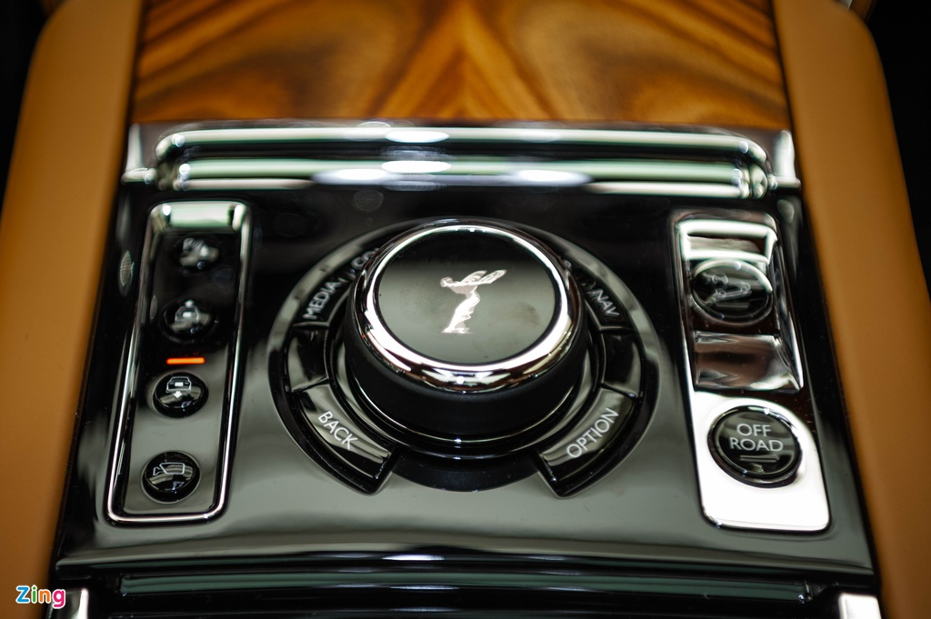 Rolls-Royce Cullinan chinh hang dau tien anh 7