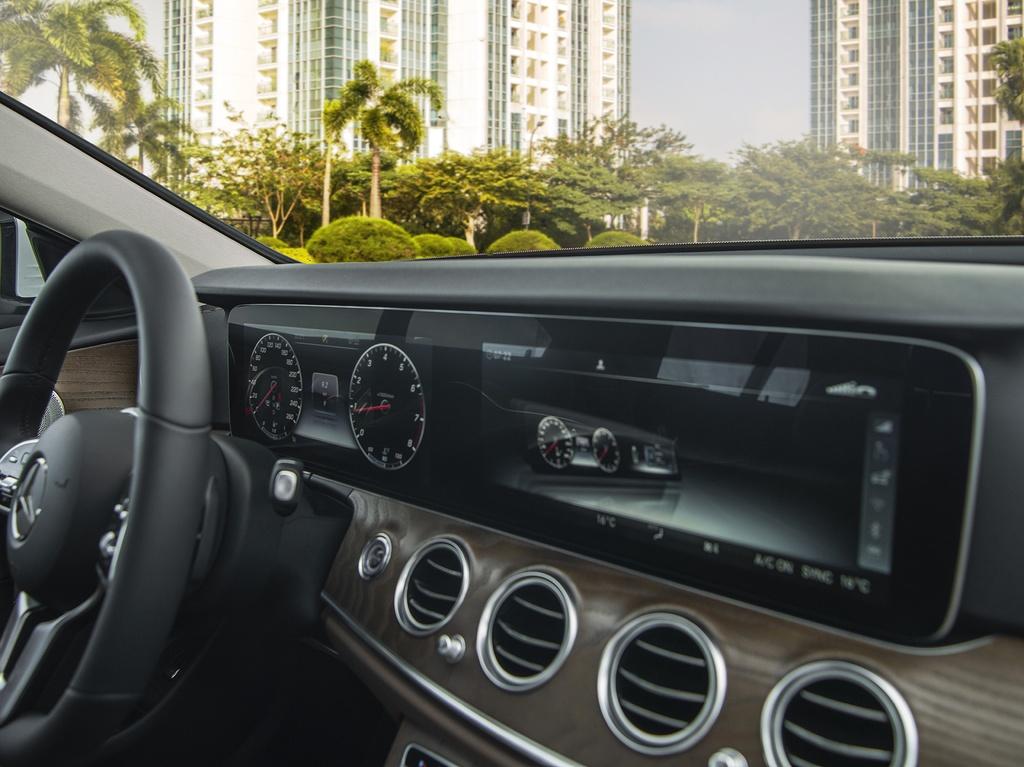 Mercedes-Benz E 200 Exclusive 2020 ra mat VN, gia 2,29 ty dong hinh anh 7 E_200_Exclusive_IMGP1246.jpg