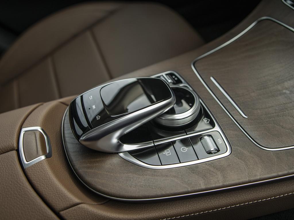 Mercedes-Benz E 200 Exclusive 2020 ra mat VN, gia 2,29 ty dong hinh anh 9 E_200_Exclusive_IMGP1250.jpg