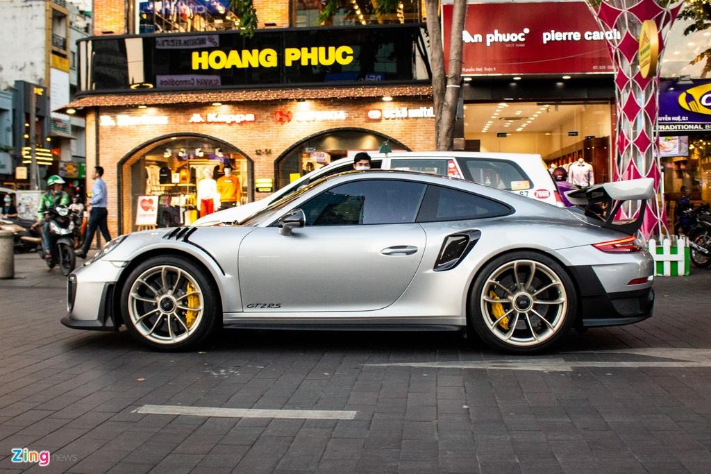 Porsche 911 GT2 RS voi goi nang cap doc nhat Viet Nam hinh anh 2 IMG_5496_zing.jpg