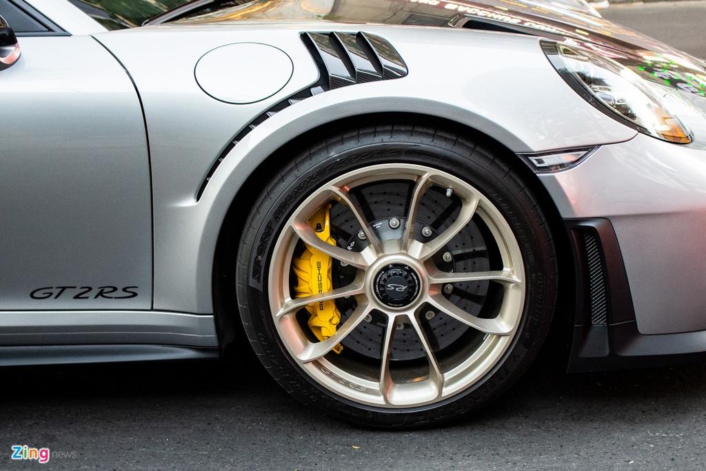 Porsche 911 GT2 RS voi goi nang cap doc nhat Viet Nam hinh anh 7 IMG_5509_zing.jpg