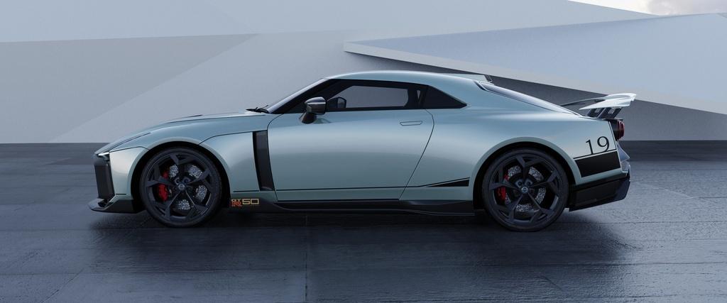 Ban san xuat Nissan GT-R50 ra mat anh 4