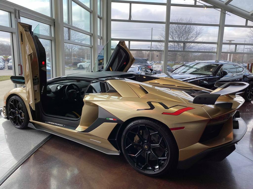 Nguoi Viet dau tien tau Lamborghini Aventador SVJ Roadster hinh anh 2 LamSVJ_7.jpg