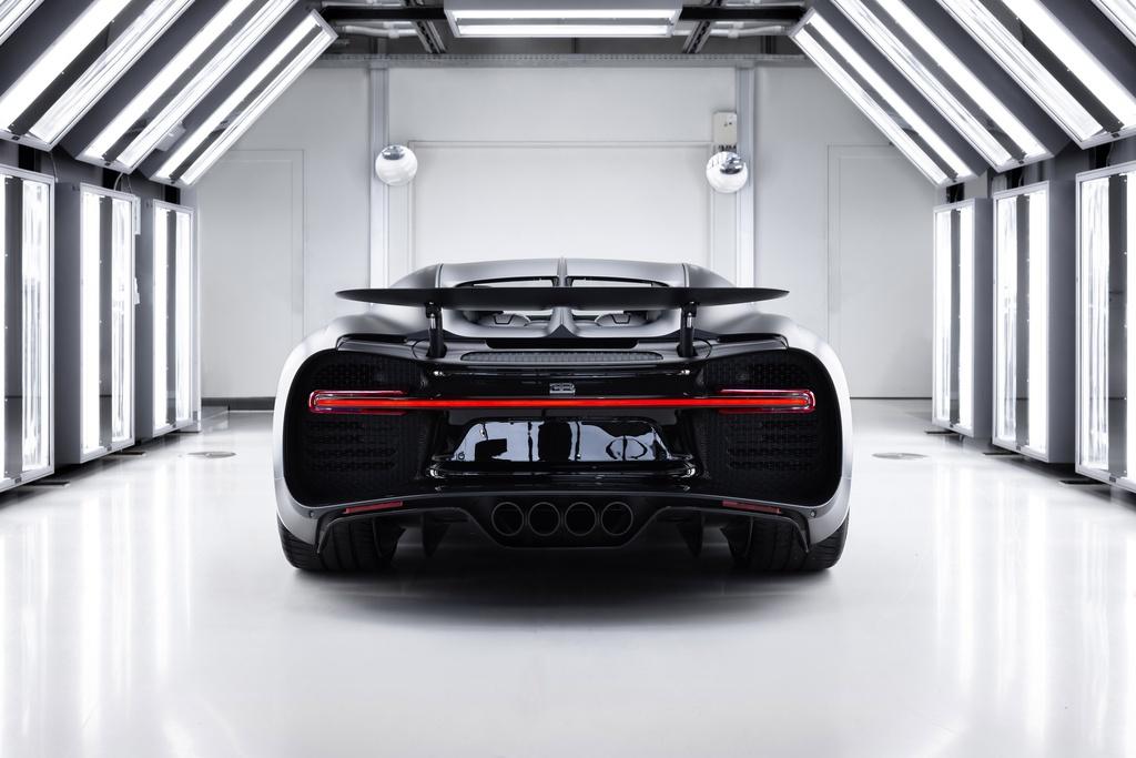 Chiec Bugatti Chiron thu 250 ra doi, chi con 250 chiec cuoi hinh anh 11 bugatti_chiron_noire_sportive_1.jpg