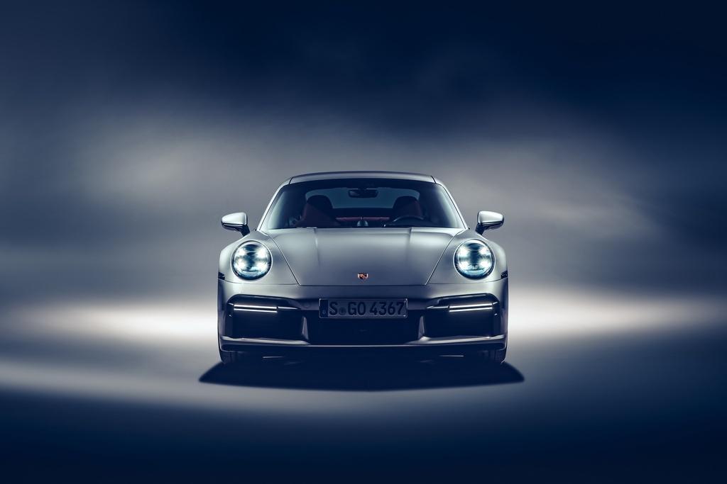 Porsche 911 Turbo S 2020 anh 3