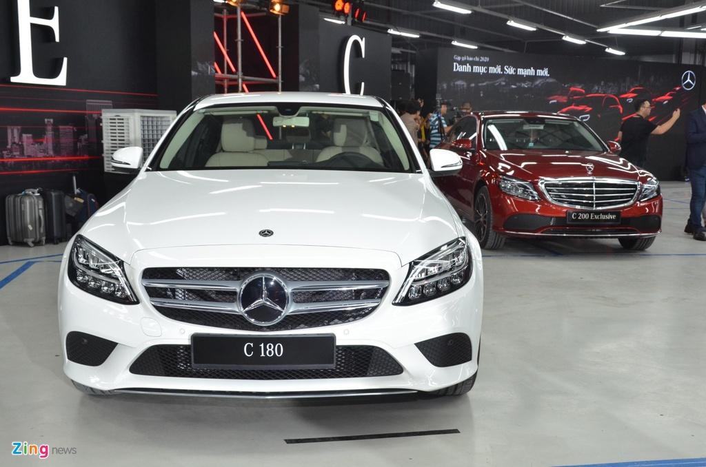 Mercedes-Benz C 180 co gia 1,399 ty tai VN, doi dau ca Camry va Accord hinh anh 1 C180_zing_18_1.jpg