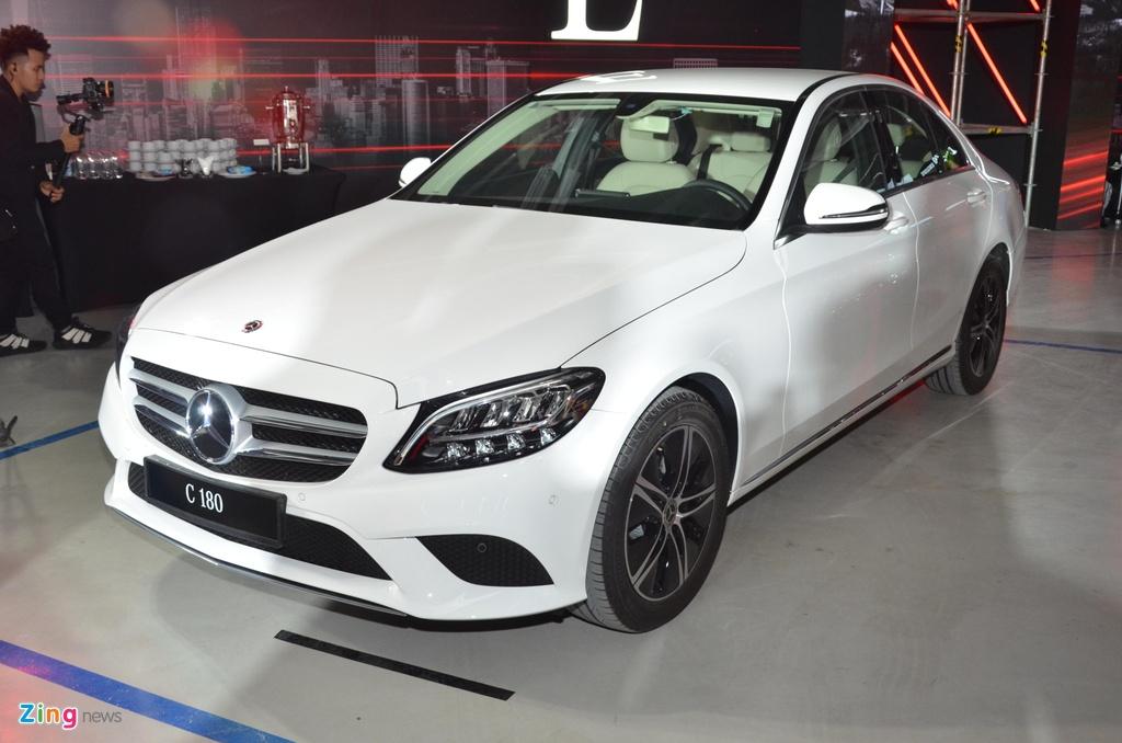 Mercedes-Benz C 180 co gia 1,399 ty tai VN, doi dau ca Camry va Accord hinh anh 11 C180_zing_1_3.jpg