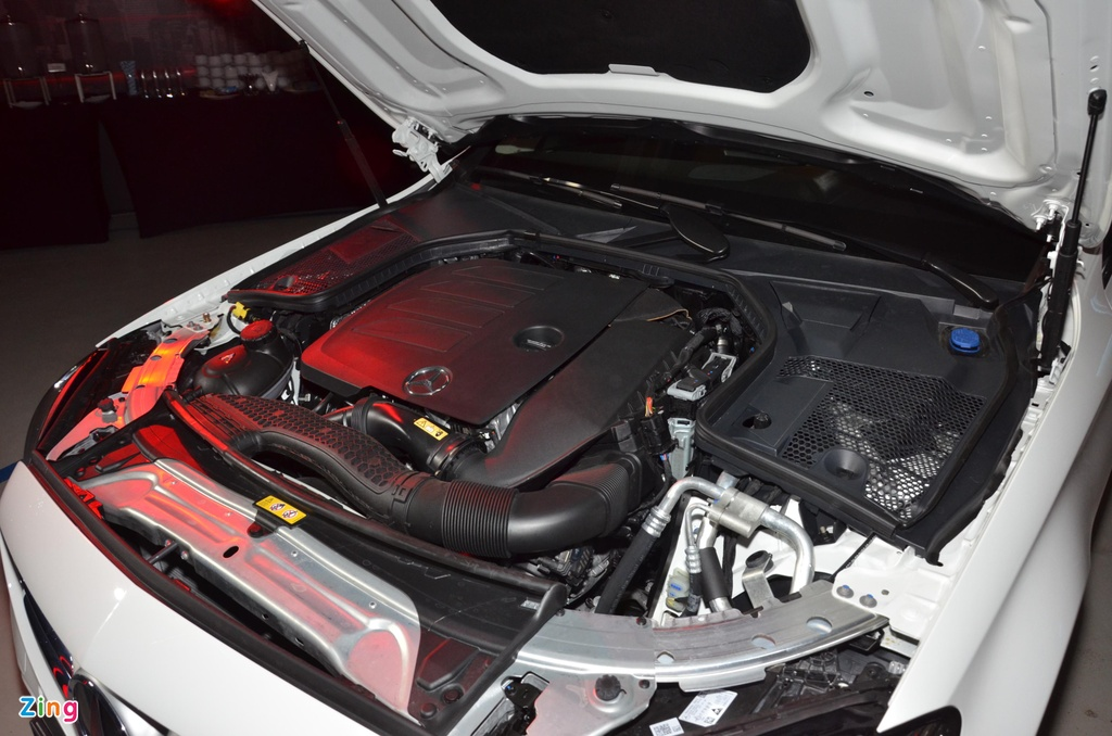 Mercedes-Benz C 180 co gia 1,399 ty tai VN, doi dau ca Camry va Accord hinh anh 9 C180_zing_9_2.jpg
