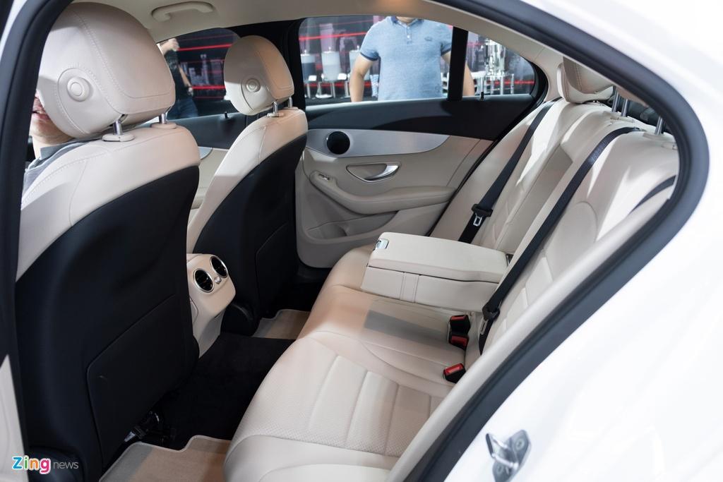 Mercedes-Benz C 180 co gia 1,399 ty tai VN, doi dau ca Camry va Accord hinh anh 8 TANH3229_zing.jpg