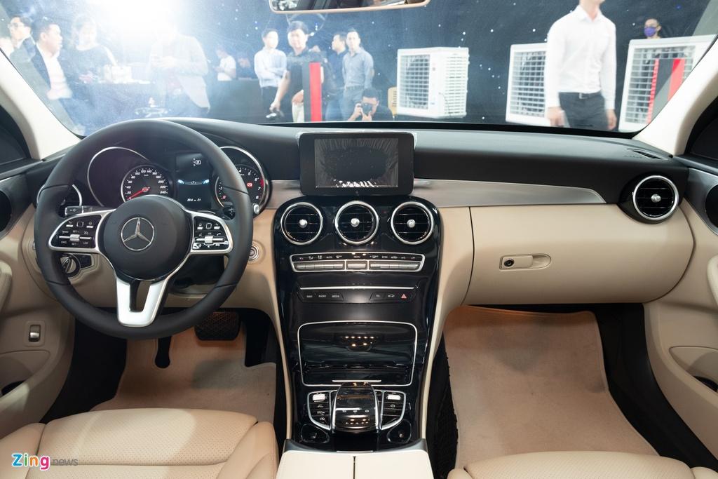Mercedes-Benz C 180 co gia 1,399 ty tai VN, doi dau ca Camry va Accord hinh anh 6 TANH3235_zing.jpg