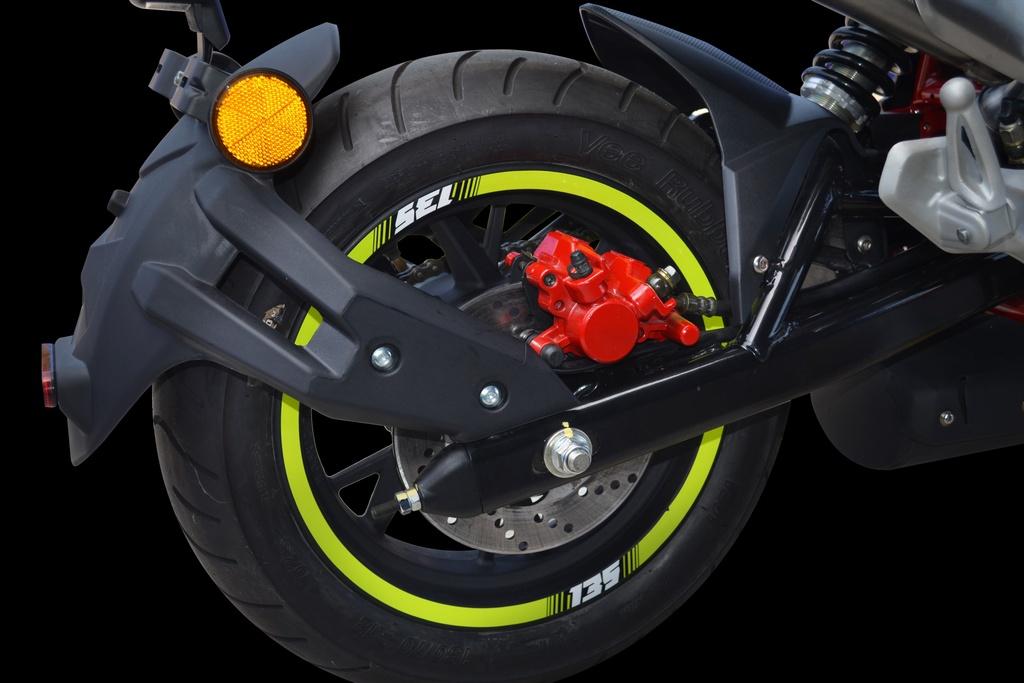 Benelli TNT 135 2020 co them mau neon la mat, doi thu cua Honda MSX hinh anh 11 2020_Benelli_TNT135_SE_8.jpg