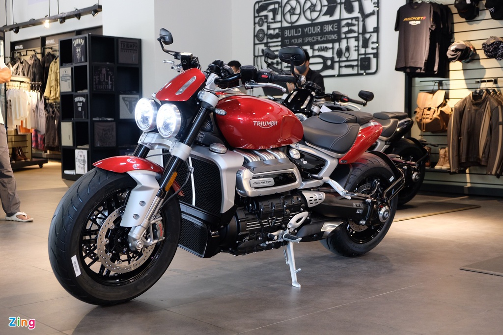 So sanh Triumph Rocket 3 voi Ducati Diavel 1260 anh 1