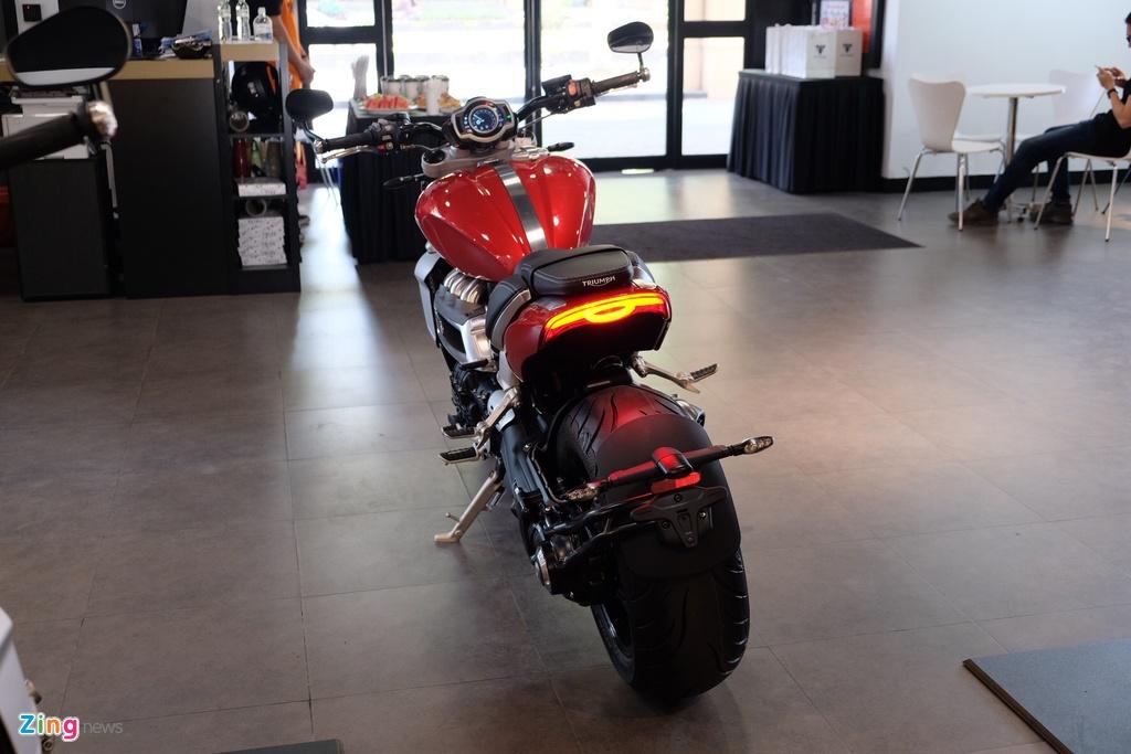 So sanh Triumph Rocket 3 voi Ducati Diavel 1260 anh 5