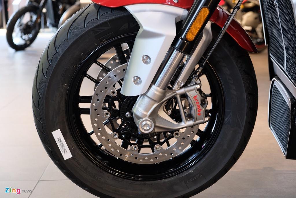 So sanh Triumph Rocket 3 voi Ducati Diavel 1260 anh 7