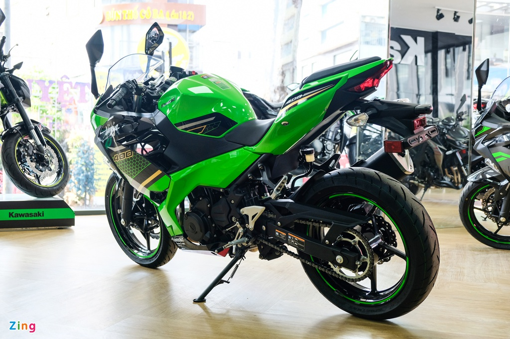 Kawasaki Ninja 400 KRT anh 3