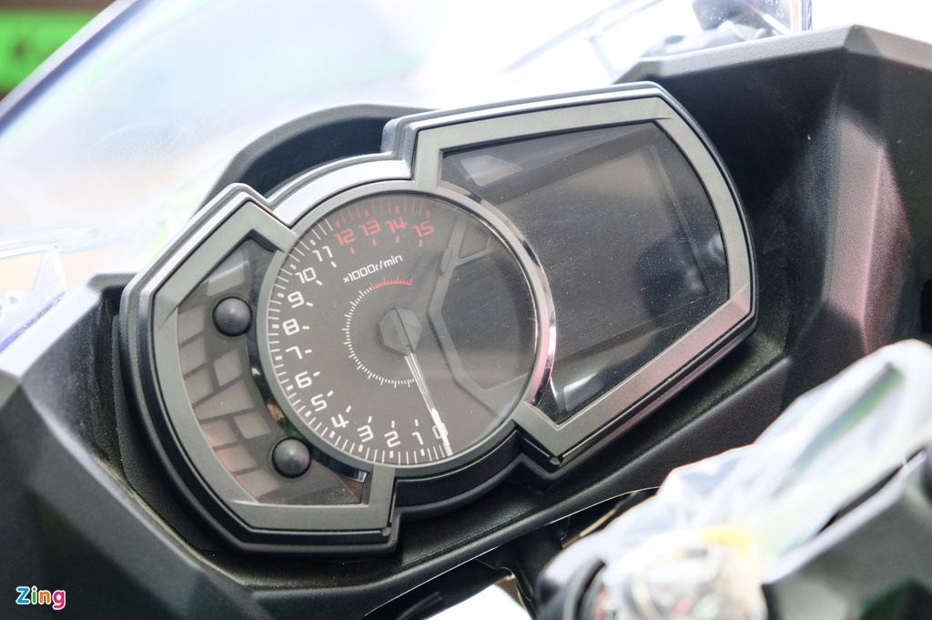 Kawasaki Ninja 400 KRT anh 7