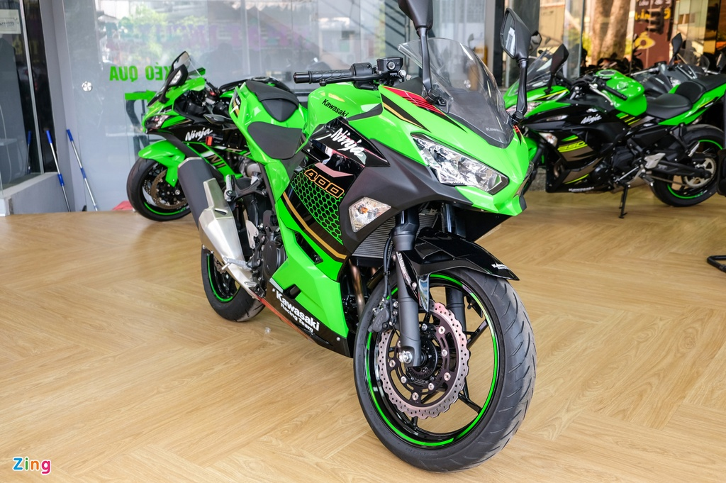 Kawasaki Ninja 400 KRT anh 1
