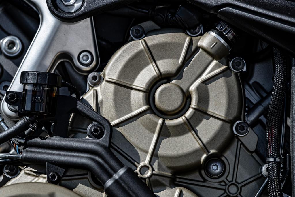 Ducati Streetfighter V4 2020 ra mat online tai My, gia tu 20.000 USD hinh anh 11 DUCATI_STREETFIGHTER_V4S_AMBIENCE_22_UC152985_Mid.jpg