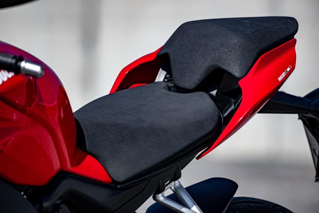 Ducati Streetfighter V4 2020 ra mat online tai My, gia tu 20.000 USD hinh anh 12 DUCATI_STREETFIGHTER_V4S_AMBIENCE_28_UC152951_Mid.jpg
