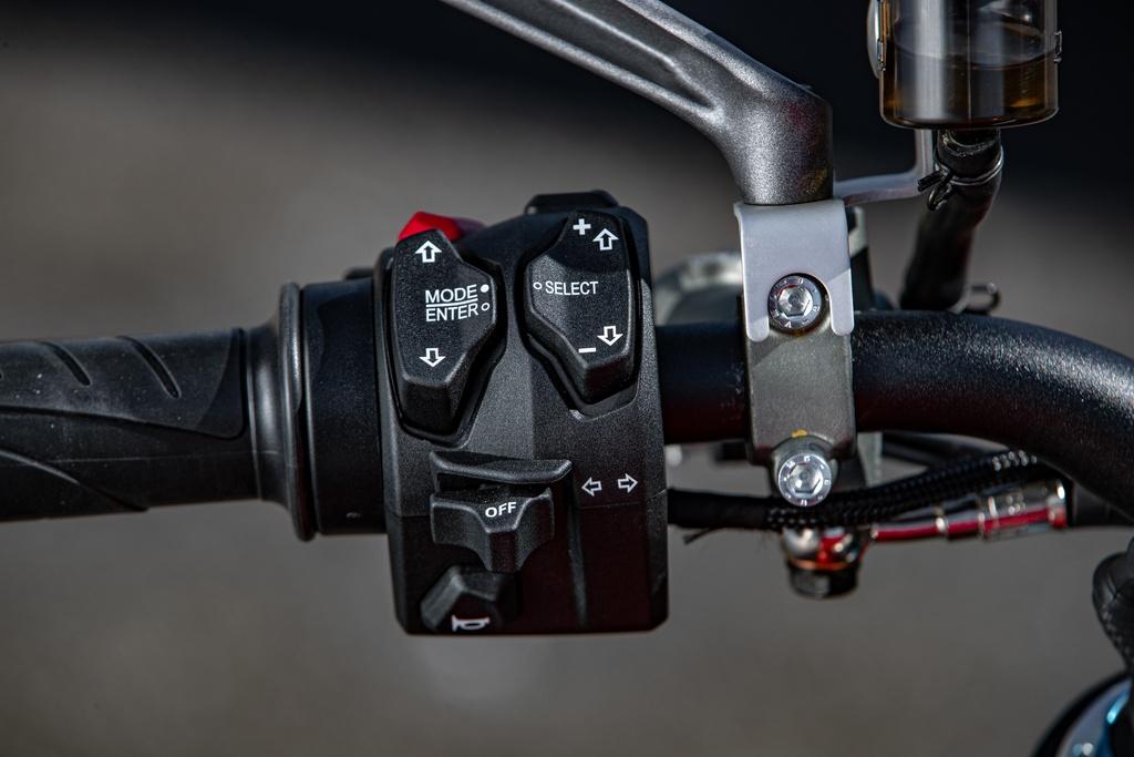 Ducati Streetfighter V4 2020 ra mat online tai My, gia tu 20.000 USD hinh anh 9 DUCATI_STREETFIGHTER_V4S_AMBIENCE_36_UC152959_Mid.jpg