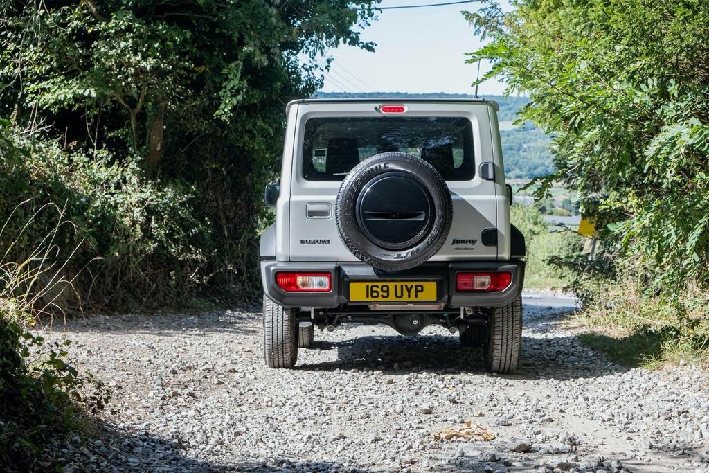 Suzuki Jimny 5 cua se ra mat vao cuoi nam, su dung dong co 1.5L hinh anh 9 2019_Suzuki_Jimny_UK_spec_2.jpg