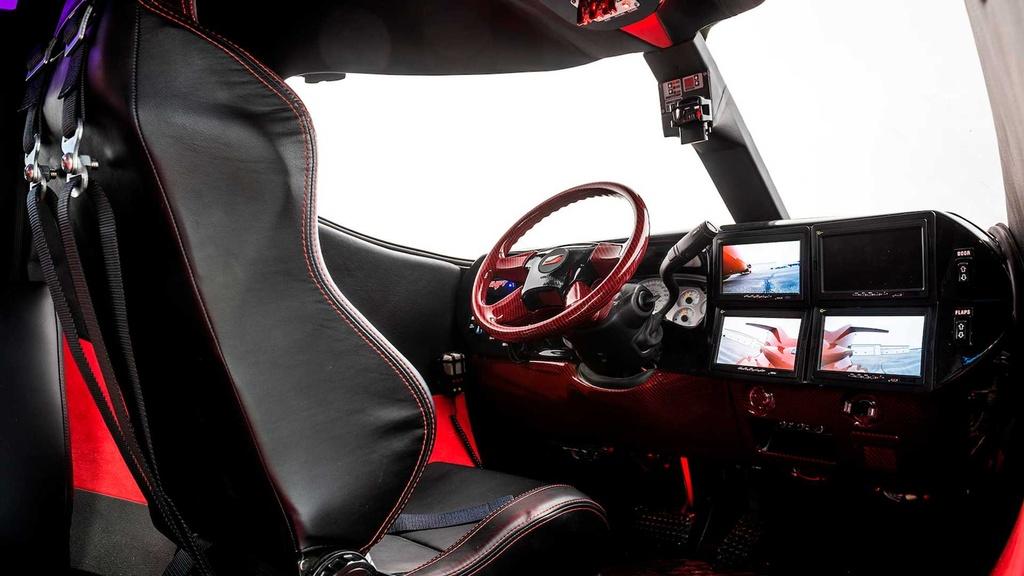 Limousine trong than xac may bay gia hon 1 trieu USD hinh anh 8 lear_based_custom_limo_jet_16_.jpg