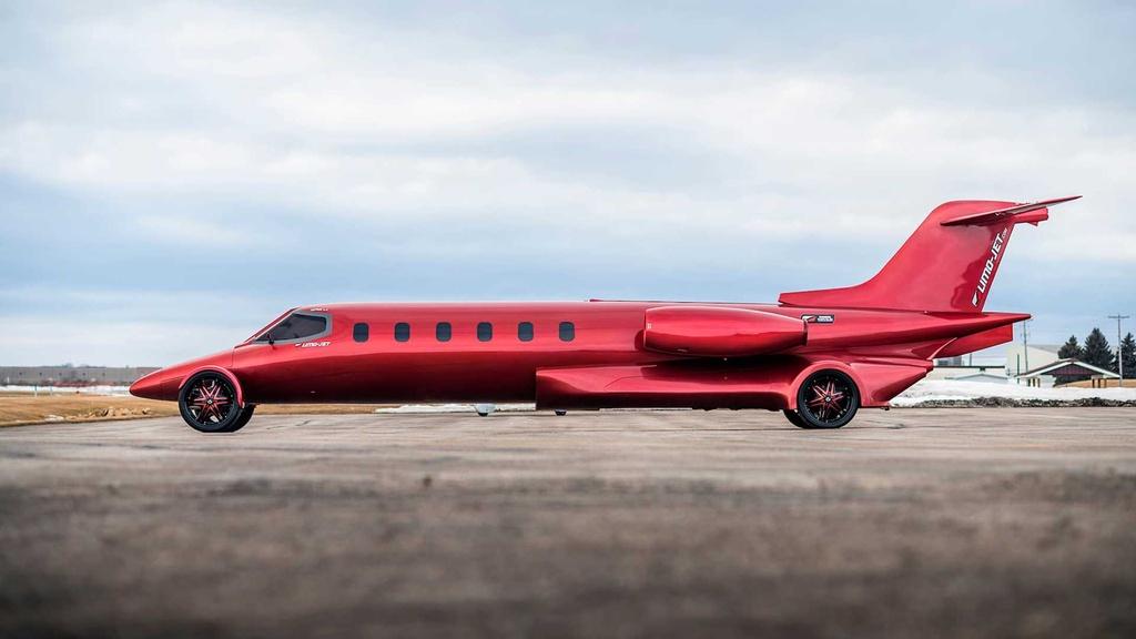 Limousine trong than xac may bay gia hon 1 trieu USD hinh anh 3 lear_based_custom_limo_jet_18_.jpg