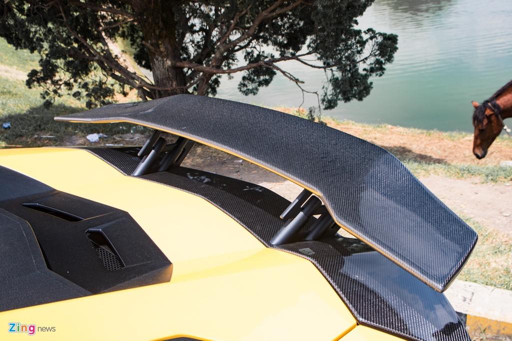 Lamborghini Aventador S lot xac voi goi do 70.000 USD anh 5