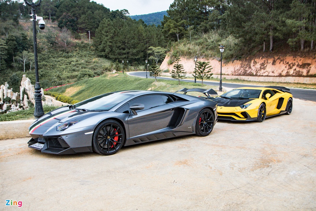 4 chiec Lamborghini Aventador do khung anh 2