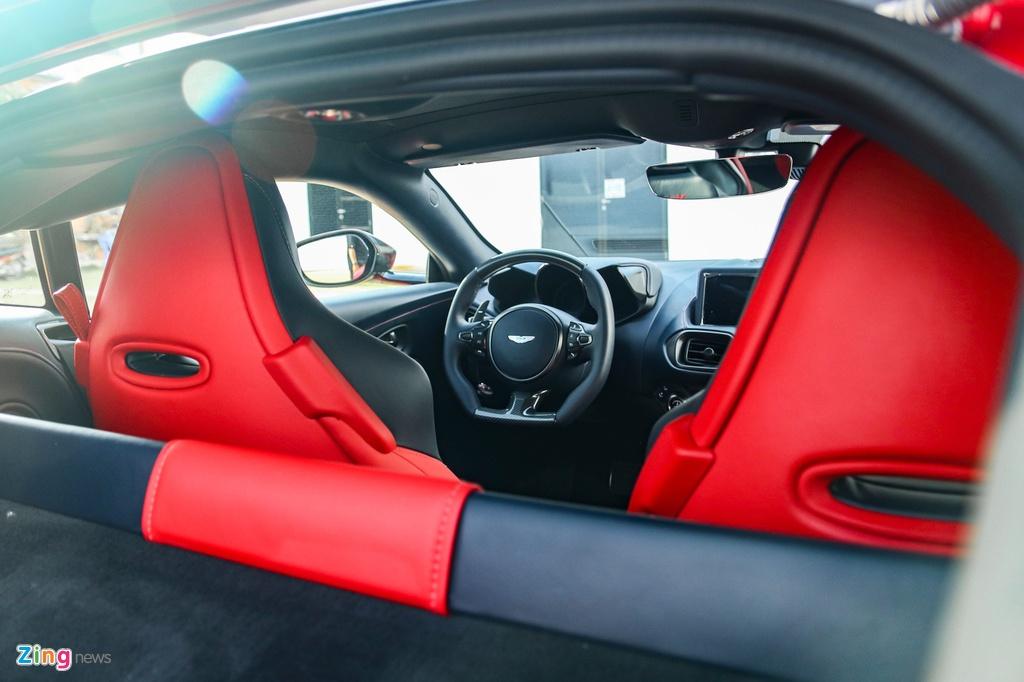 Aston Martin Vantage voi bo kit xe dua anh 10