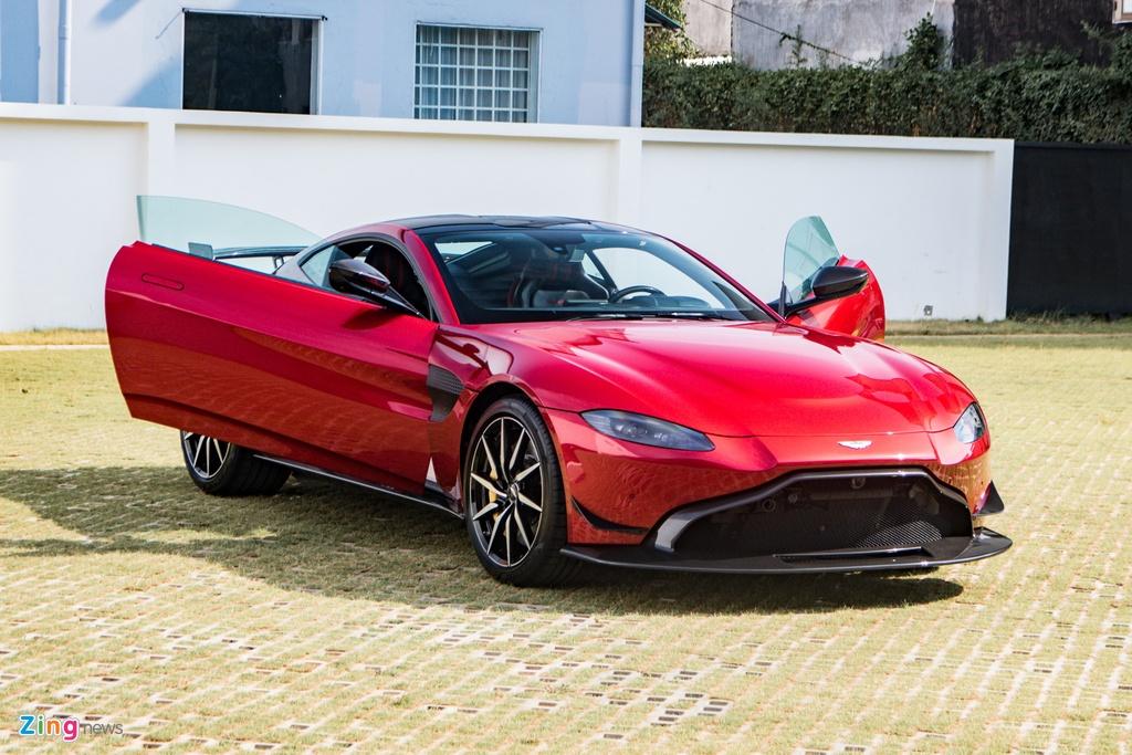 Aston Martin Vantage voi bo kit xe dua anh 12