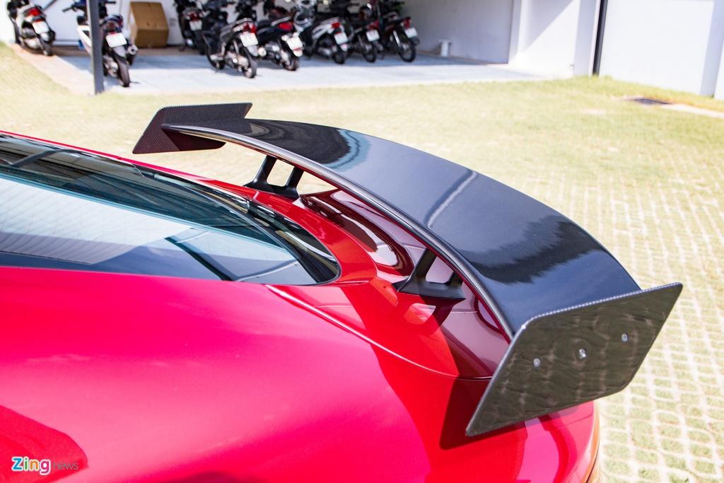 Aston Martin Vantage voi bo kit xe dua anh 4