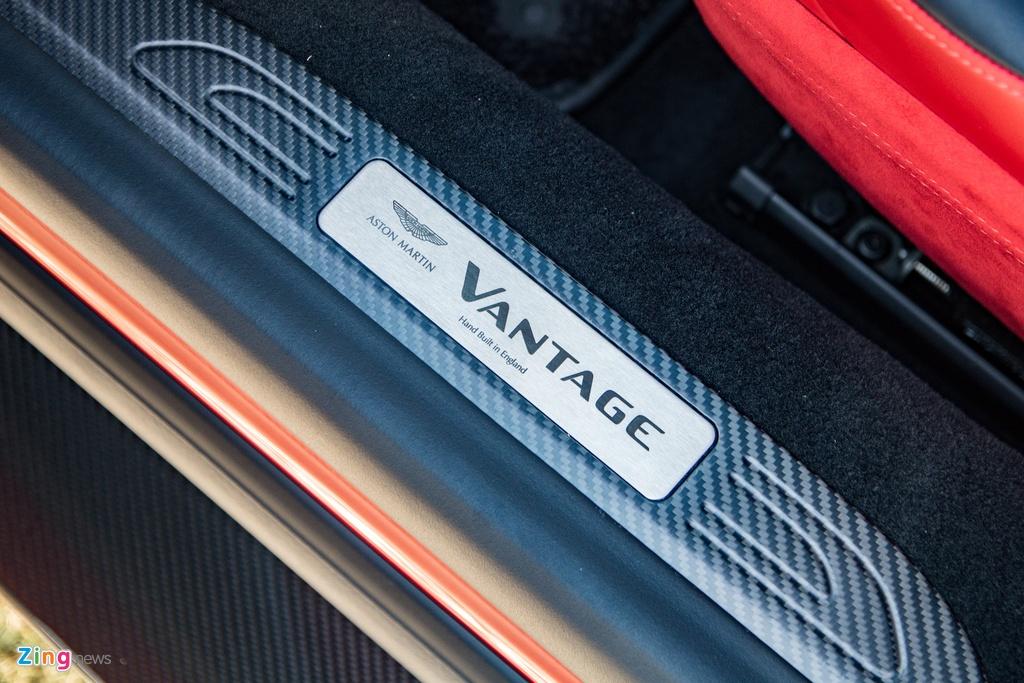 Aston Martin Vantage voi bo kit xe dua anh 7