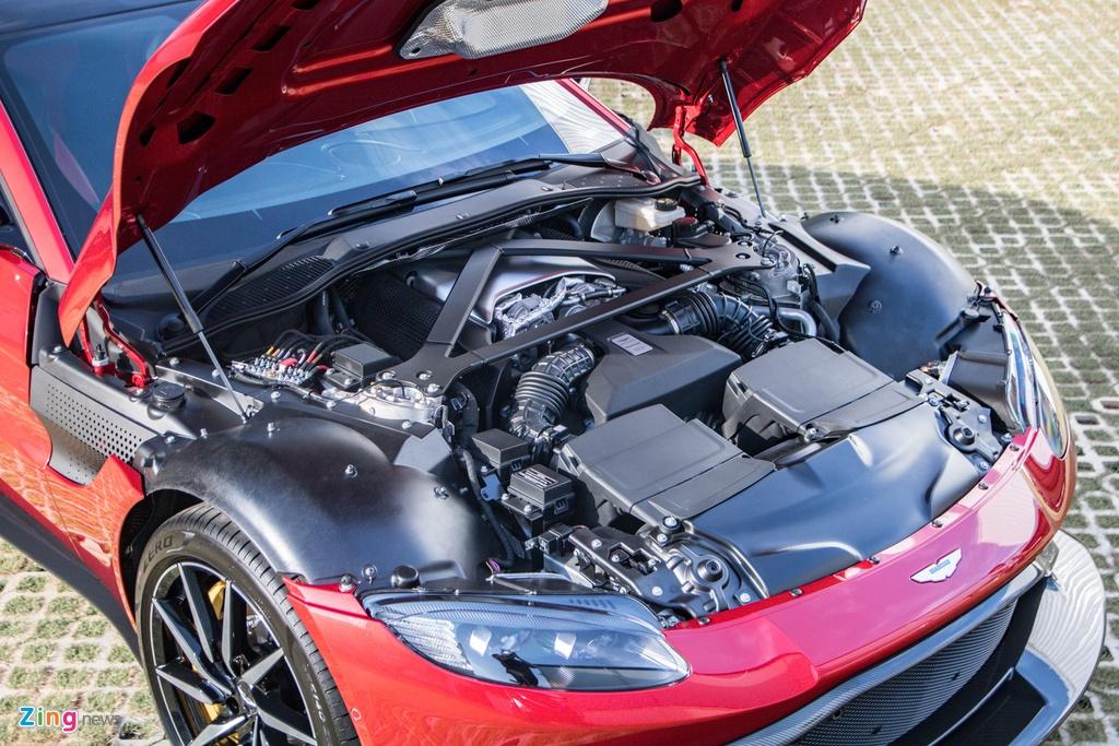 Aston Martin Vantage voi bo kit xe dua anh 6