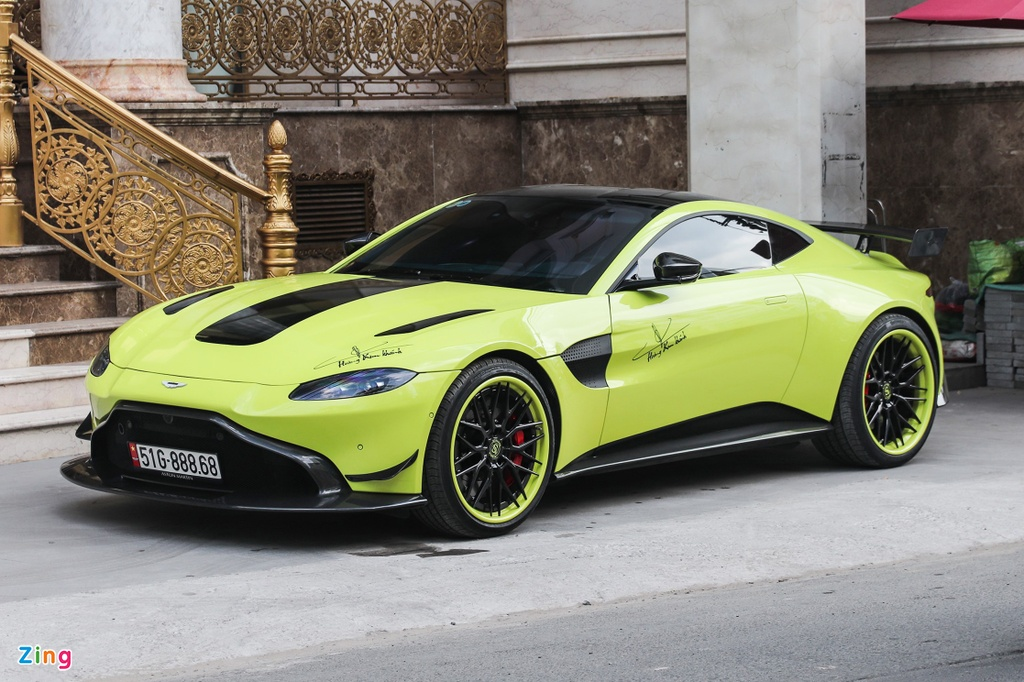 Aston Martin Vantage dau tien tai VN doi dien mao voi bo mam hang doc hinh anh 1 IMG_2695_zing_1.jpg