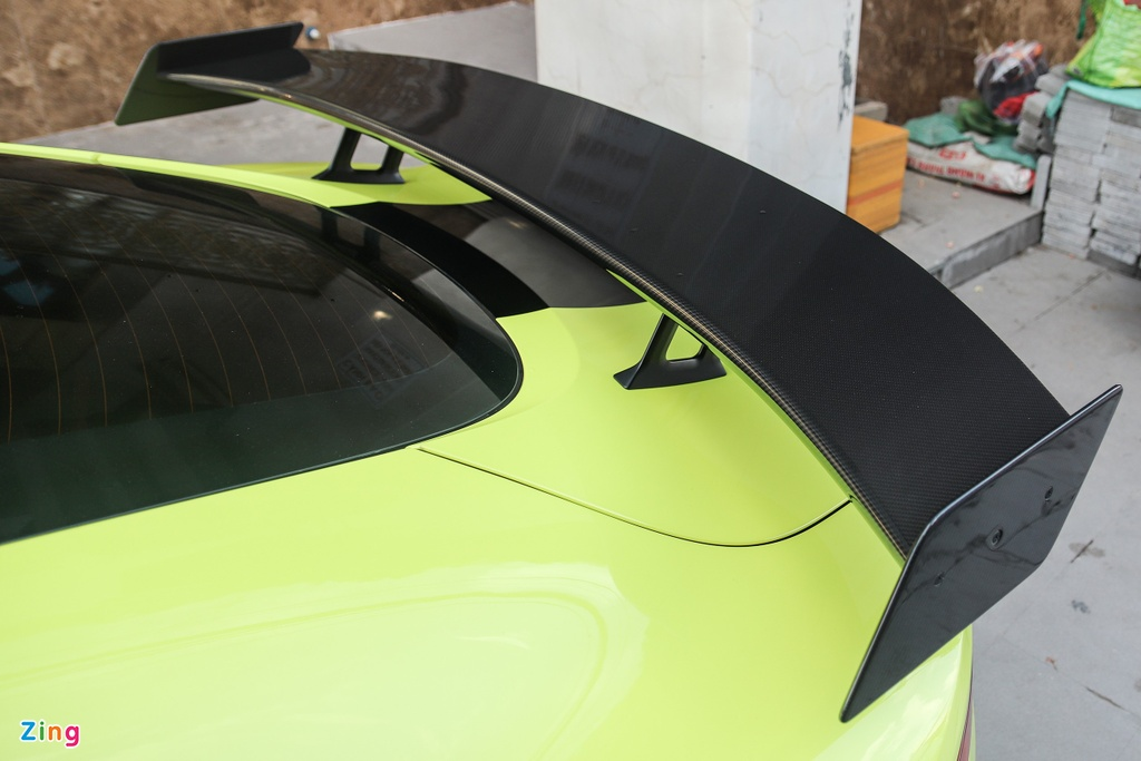 Aston Martin Vantage dau tien tai VN doi dien mao voi bo mam hang doc hinh anh 3 IMG_2719_zing.jpg