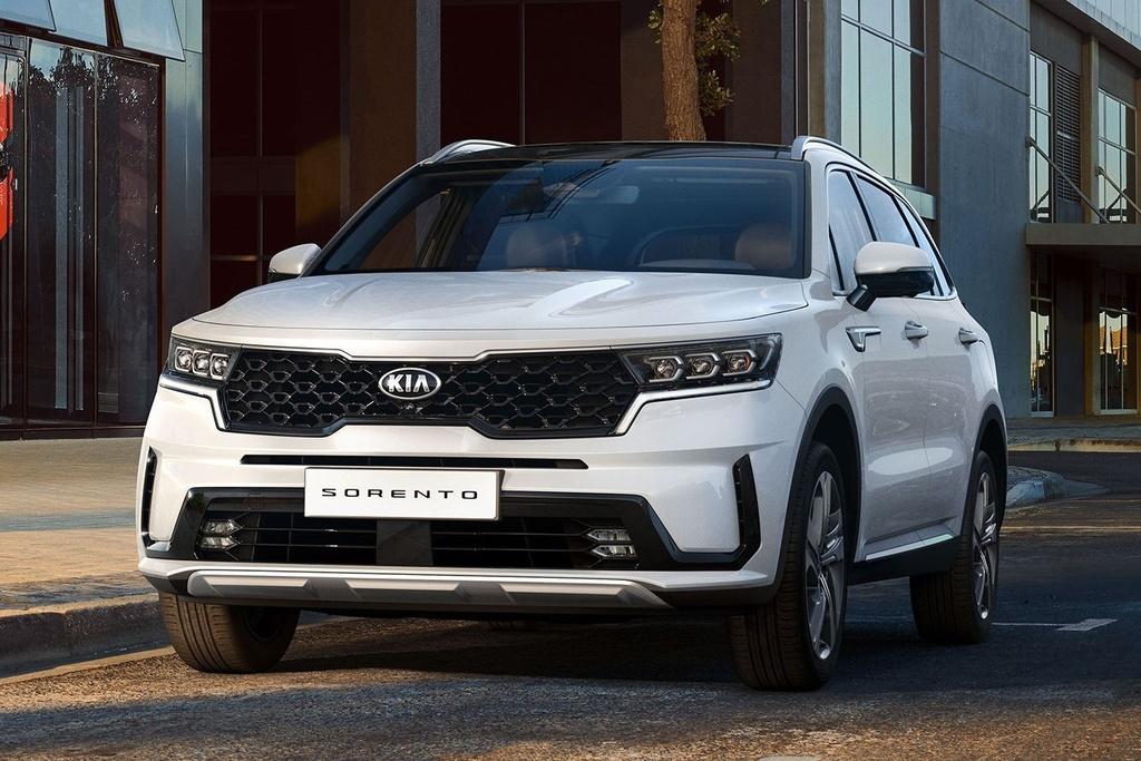 Hyundai Santa Fe 2021 dau Kia Sorento 2021 anh 2