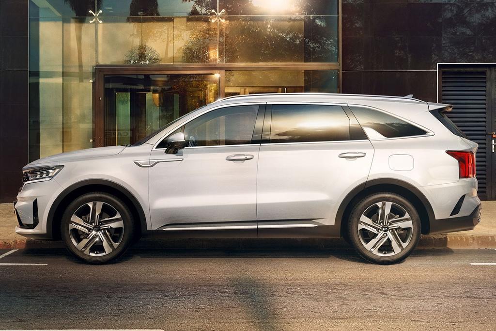 Hyundai Santa Fe 2021 dau Kia Sorento 2021 anh 12