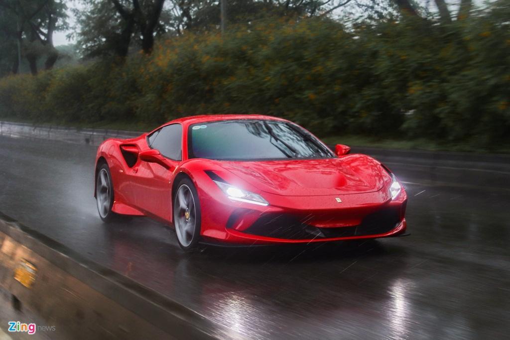 Chi tiet Ferrari F8 Tributo dau tien Viet Nam anh 13