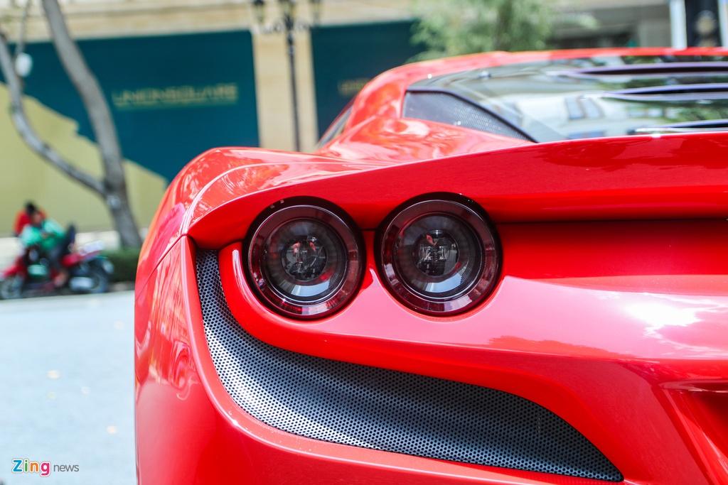 Chi tiet Ferrari F8 Tributo dau tien Viet Nam anh 9