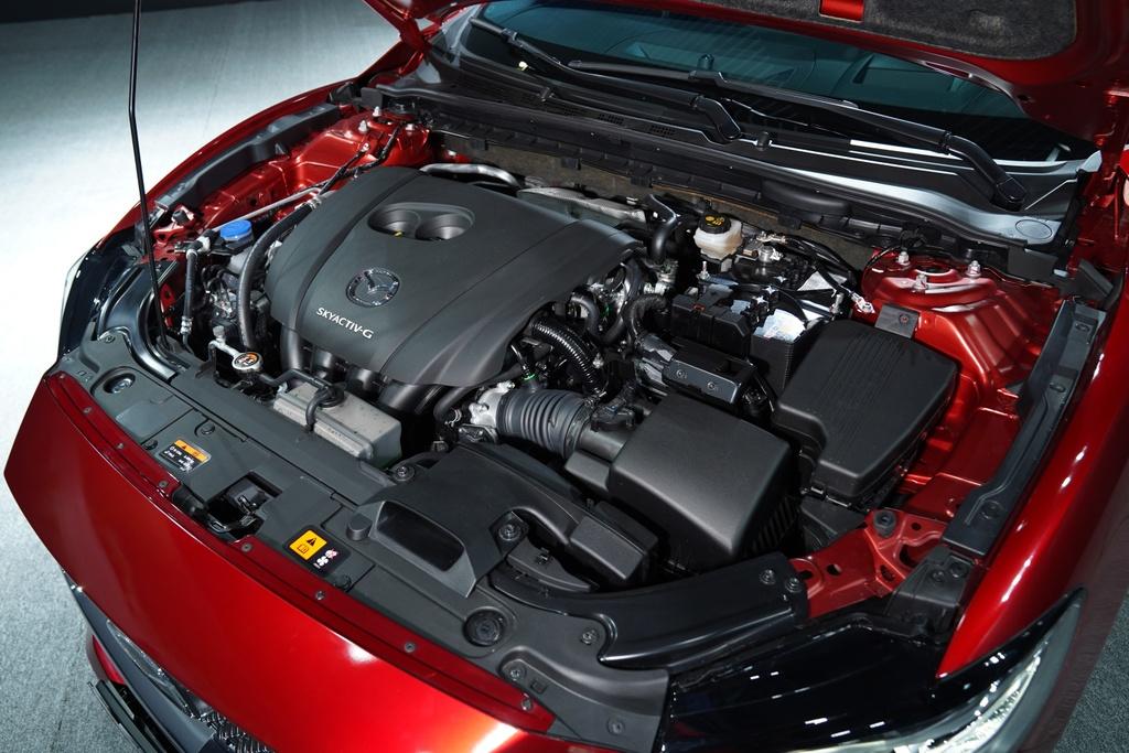 Mazda6 vua ra mat Viet Nam anh 10